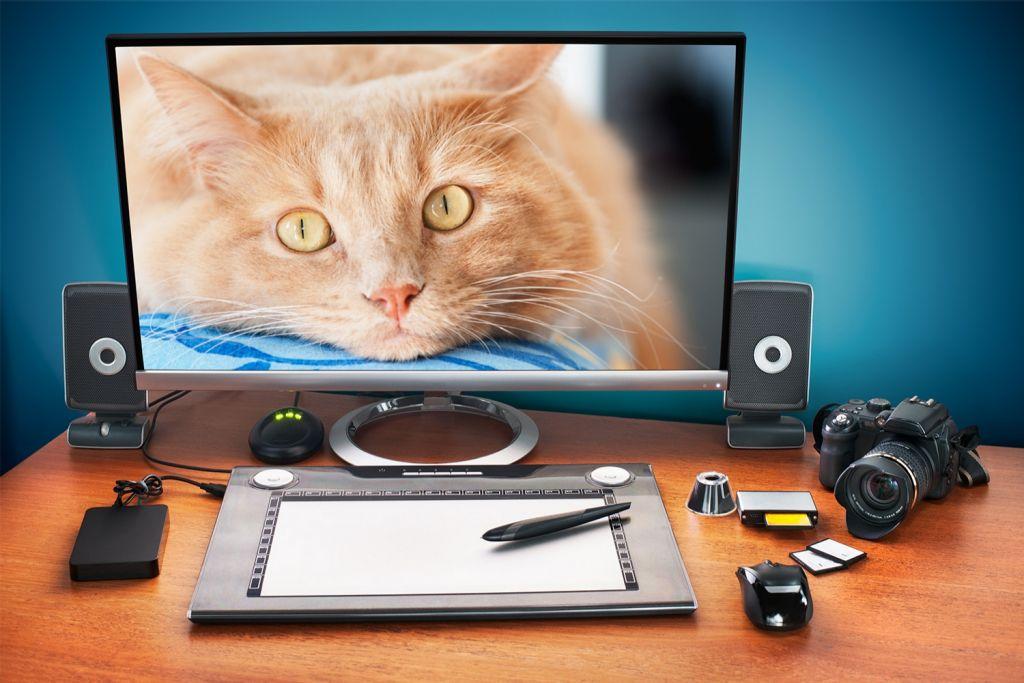 Edición de fotos en una computadora de escritorio