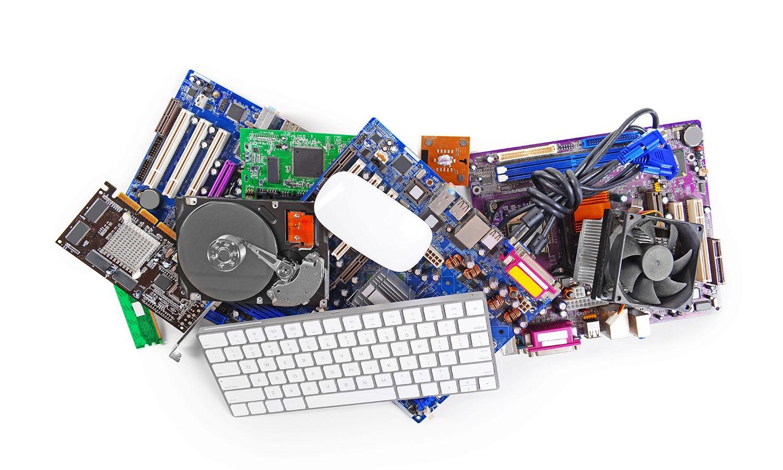 Colección de hardware de computadora incluidos un teclado y un mouse