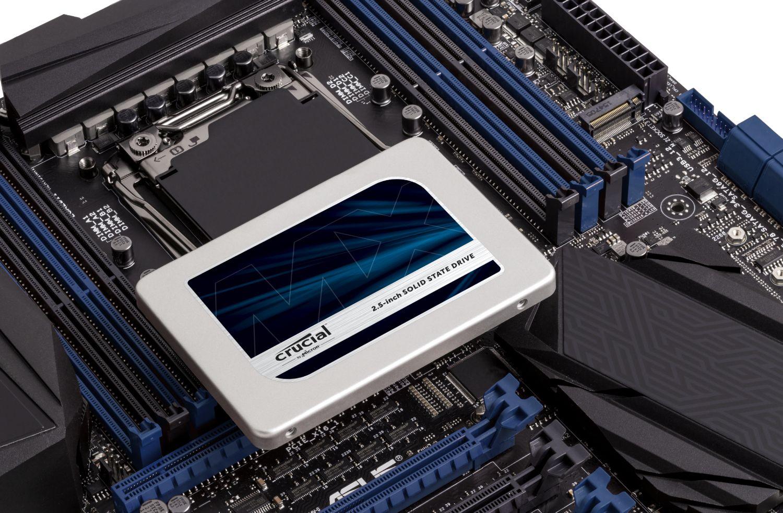 Unidad de estado sólido y motherboard Crucial